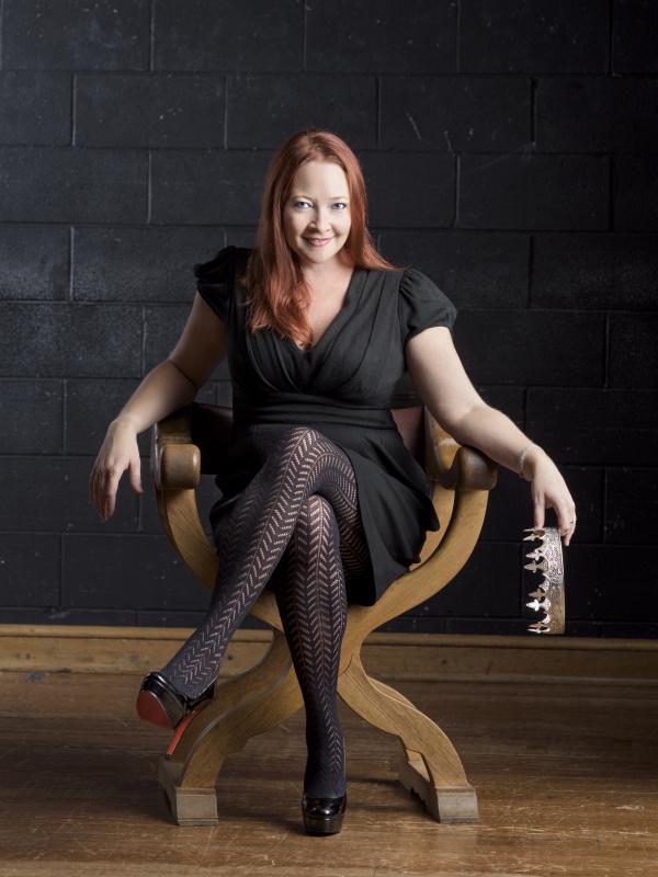sarah fallon as richard ii american shakespeare center blackfriars playhouse